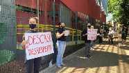 Estudantes da PUC-PR protestam contra fechamento de cursos presenciais em Maringá