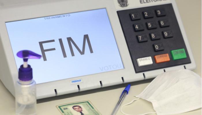 Falta de justificativa por não votar impede expedição de documentos