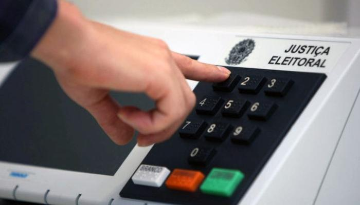 TSE afirma que urnas eletrônicas são seguras e que seu uso é transparente